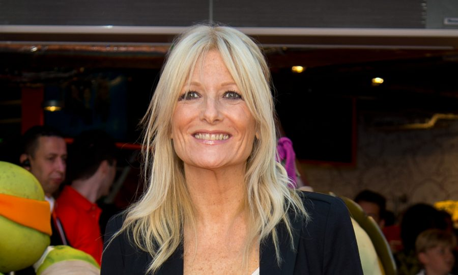 BE A GLOW HOE . . . WITH GABY ROSLIN